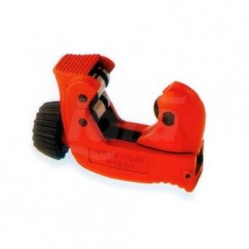 Tagliatubi MINI-MAX con corto raggio per lavori in posti stretti o su tubazioni parallele. Rulli extra larghi con scanalature salvarotella per taglio colletti. Misura: 3-28 mm. ROT070015