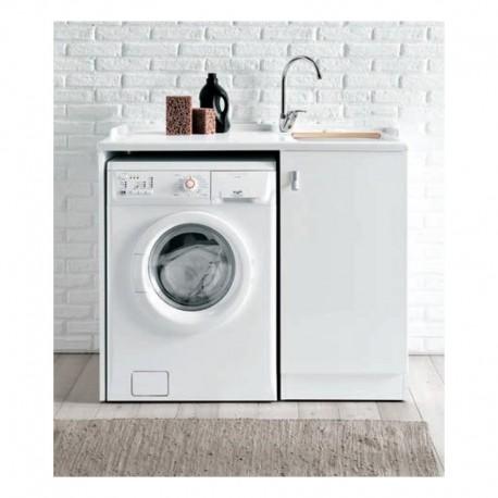 lavatoio con asse e spazio lavatrice